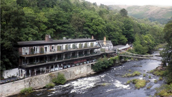 Chainbridge  Hotel